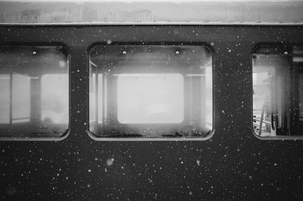 cold-snow-black-and-white-train